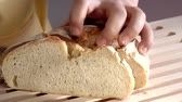 cut up : Slicing a loaf of bread