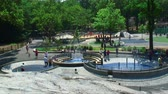 ginásio : Fountains at the Heckscher Playground in Central Park in New York City. Stock Footage