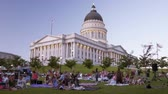 produkcja : Time lapse of people at a summers eve concert in front of the Capitol Building in Salt Lake City, UT