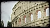 europa : Shot of the side of the Colosseum in Rome. Vintage stylized video clip. Wideo