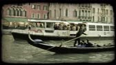 italiano : A shot of a Venice canal. Vintage stylized video clip. Vídeos