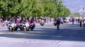 quarto : Cheerleaders in a parade. Stock Footage