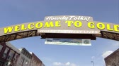 pessoal : Golden, Colorado - August, 2013: Up close wide pan to the right of the Welcome to Golden Colorado Sign.