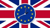 política : Animated clock face counting down. Brexit UK EU referendum concept with flags and clock Vídeos