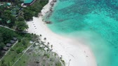 antena : Aerial drone view of beautiful tropical Sunrise Beach during sunny summer day, Koh Lipe, Thailand Vídeos
