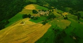 pyreneje : Aerial view of a village among the rural landscape of the Pyrenees (4k) Dostupné videozáznamy