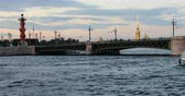 ponte : Russia, St. Petersburg, September 02 2018 double-deck motor ship passes along the river near the bridge. Vídeos