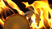 ananas : Slow motion of fire burning pineapple