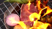 спаржа : Beef steak grilling slow motion