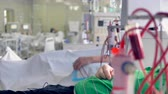 подопечный : A focused view on a dialysis machine in a hospital ward. Стоковые видеозаписи