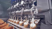 вафля : Automatic ice-cream production equipment.