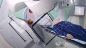 радиология : Radiotherapy process held on a male patient