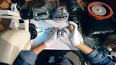 diamanten : Top view of a ring getting made by a craftsman. Jeweler working. Stockvideo