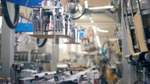 distribution automatique : Fast motion of packaging process held by a robotic mechanism