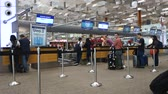 registrovat : SINGAPORE- 10 DEC, 2017: Check in counters at Changi International Airport in Singapore. Changi Airport is one of the largest transportation hubs in Asia.