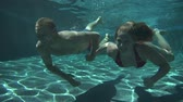cinsel : Couple Swimming Underwater Slow Motion
