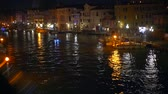 kanál : A view of the canal at night. Venice, Italy Dostupné videozáznamy