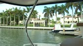 navigation : Beautiful villas in Miami, seen from a boat Stock Footage