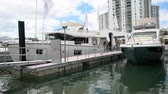 Майами : Yachts docked in Miami during Miami International Boat Show in 2014