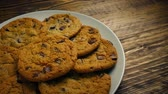 biscoitos : Passing Plate Of Cookies On Table Stock Footage