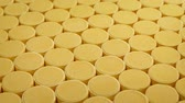 doente : Passing Rows Of Vitamin C Tablets