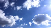 мыть : Beautiful blue sky with clouds background. Sky with clouds weather nature cloud blue. Blue sky with clouds and sun.