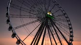 tekerlekler : Ferris wheel at a park in Bangkok, Thailand