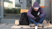 безработные : Homeless beggar man begging
