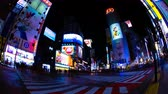 verkeerslichten : Night time lapse crossing at the neon town in Shibuya Tokyo wide shot