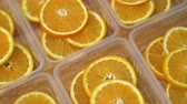limonka : Rotate fresh citrus oranges fruits. Seamless loop spinning sliced oranges.