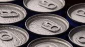 damlacık : footage water droplets on can of soda or beer rotate background. Stok Video