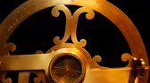 bússola : An ancient naval astrolabe. Measure latitude and longitude. Stock Footage