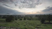 lembrar : Timelapse sunrise during early Qingming Festival at chinese grave.