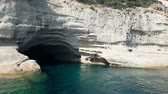 jeskyně : cave on the shores of the Mediterranean Sea. Dostupné videozáznamy