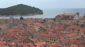 mezza eta : Dubrovnik is a Croatian city on the Adriatic Sea. It is one of the most prominent tourist destinations in the Mediterranean Sea. Filmati Stock
