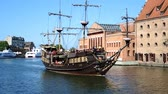 avrupa birliği : Historical Excursion boat on the Vistula river in Gdansk - Poland. Stok Video