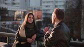 drby : Young couple Man and woman talking in city Dostupné videozáznamy