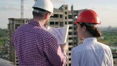 site : Architect and engineer discuss the project