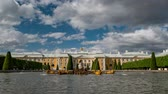 russo : View of fountains at Peterhof. Peterhof palaces and gardens are sometimes referred to as the Russian Versailles. Timelapse Vídeos