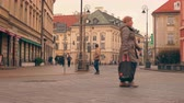 nobre : Warsaw, Poland- December 26, 2017 People walk down the street in the old town. time-lapse
