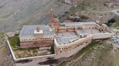 Aerial view of Ishak Pasha Palace, it is a semi-ruined palace and administrative complex located in the Dogubeyazit, Agri province of eastern Turkey. Ottoman, Persian, and Armenian architectural style Stockvideo