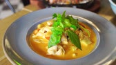 originales : original vietnamese dishes in restaurant Archivo de Video
