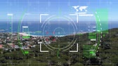 étendue : Digital animation of a digital viewfinder with a view of a city near the ocean