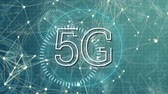 воспоминания : Digital animation of 5G written in the middle of a futuristic circles and asymmetrical lines moving in the background Стоковые видеозаписи