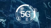 telekomünikasyon : Digital animation of 5g technology with a random moving digital circle and vector icons of people appearing at the back of 5g, on a background with moving digital bars, charts and 3d globe