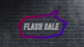 concêntrico : Animation of the words Flash Sale in white outline appearing in an angular purple and red speech bubble which swings in to view from top right on a black and white brick wall background Stock Footage