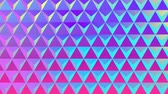 ondulando : Animation of a grid of reflecting metallic triangles changing colour in waves over a gradient blue and pink background Stock Footage