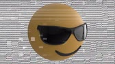 comique : Animation of a nodding smiling emoji icon wearing sunglasses on a pale background with interference Vidéos Libres De Droits