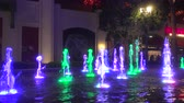 zábava : 4K ES: Dancing water fountain display with colored LED lights at The Linq Las Vegas. Circa 2016 Dostupné videozáznamy