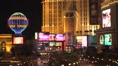 zázrak : 4K ES: The Las Vegas Strip at The Miracle Mile shopping district. Circa 2016 Filmed on Sony FS-5 w 28mm Zeiss prime lens at 4K UHD 30P Native Resolutions. Dostupné videozáznamy